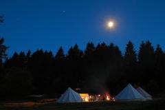 Zelte_in_Westernohe_bei_Nacht